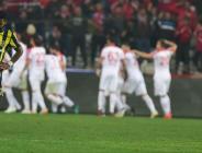 Fenerbahçe Antalya'da ağır yaralı!
