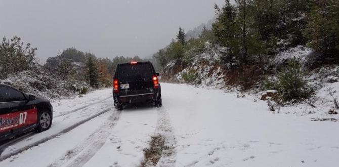 Manavgat'a 15 yıl sonra kar yağdı